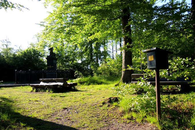 Pfeil Denkmal Harzer Wandernadel Nr. 68 Stempelkasten