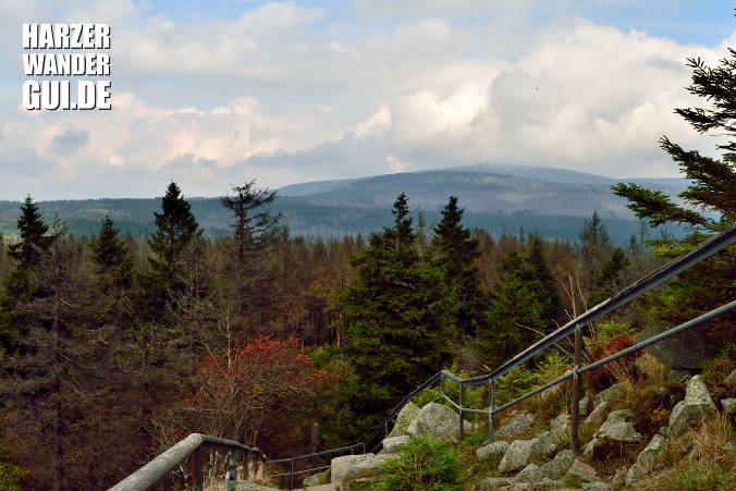 Achtermann Abstieg mit Brockenblick